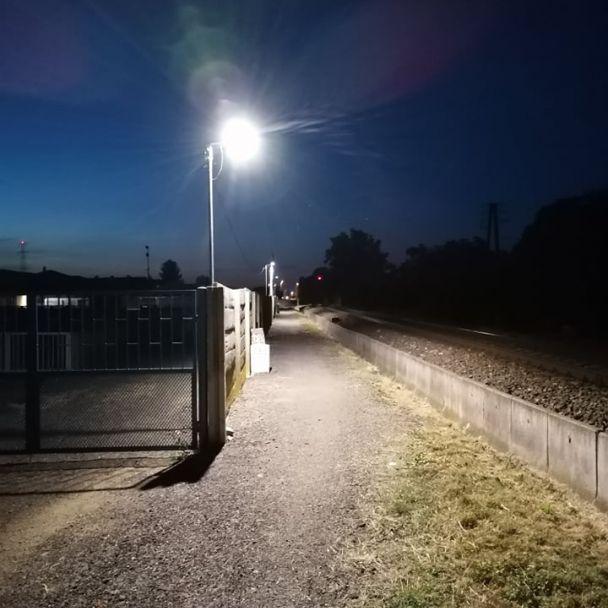 """Osvetlenie """"chodníka"""" popri ihrisku"""